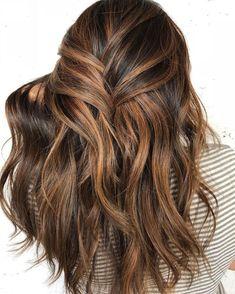 Pelo Chocolate, Light Chocolate Brown Hair, Dark Brown Hair With Caramel Highlights, Brown Balayage, Light Brown Hair, Colored Highlights, Chocolate Color, Brunette Highlights, Chunky Highlights