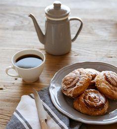 FIKA: EL RITUAL SUECO Fika es el ritual sueco de la pausa del café que se acompaña de algunas galletas o pastas. Se trata de toda una convención social en Suecia, país con más consumidores de café del mundo.