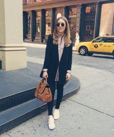 c5a4936a8e52ae How To Pose Like A Fashion Blogger