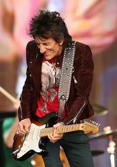 Ronnie Wood & the Rolling Stones at Hyde Park Rock Roll, Rock And Roll Bands, Rock N Roll Music, The Rolling Stones, Keith Richards, Mick Jagger, Ron Woods, Ronnie Wood, Charlie Watts