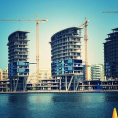 Jewel Of the Creek by Kieferle&Partner, Dubai, UAE and operated by @rodahotels #architecture #design #construction #site #structure #Dubai #JewelOfTheCreek #residential #hotel #RODA #Dubai2020 #DubaiExpo #DubaiCreek #Deira #AlMaktoumBridge #UAE #UAEArchitecture #dubailife #dubaiuae #dubaitag #dubaicreek  #floatingbridge #glazing #facade #happening #kieferlearchitects #kieferlepartner