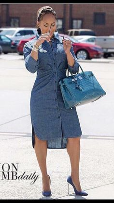 Style maven Marjorie Harvey stepped out stunningly in a denim shirt dress, Hermes Birkin croc bag and Christian Louboutin denim pumps. Casual Wear, Casual Outfits, Cute Outfits, Fashion Outfits, Womens Fashion, The Lady Loves Couture, Love Couture, Daily Fashion, Fashion News