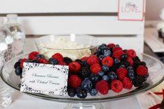 gender-neutral-baby-love-shower-berries