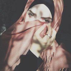 Hijab Dp, Hijab Chic, Mode Hijab, Beautiful Hijab Girl, Beautiful Muslim Women, Arab Fashion, Muslim Fashion, Hijab Makeup, Modest Fashion Hijab
