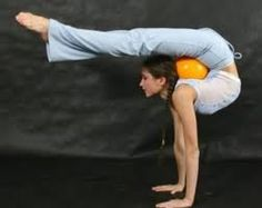 Garage gym, fitness, and Crossfit image gallery. These are motivational and fun images that I find and I take no credit for them. Crossfit Images, Gym Images, Gymnastics Flexibility, Rhythmic Gymnastics, Flexibility Workout, Easy Weight Loss, Healthy Weight Loss, Lose Weight, Amazing Flexibility