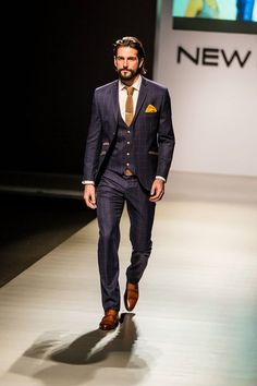 Excelente home Suits, Men Style, Mens Fashion,Navy Suit. Mode Masculine, Mode Costume, Latest Clothes For Men, How To Look Handsome, Herren Outfit, Men Formal, Mens Fashion Suits, Classy Mens Fashion, Mens Suits Style