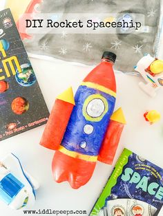 DIY Rocket Spaceship by Iddle Peeps - www.iddlepeeps.com fun and creative kids crafts and ecofriendly activities.