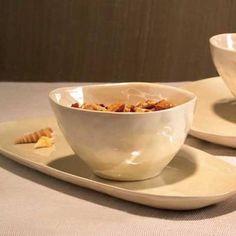 Pearl Snack tray Snack Trays, Kitsch, Serving Bowls, Pearl, Snacks, Tableware, Appetizers, Dinnerware, Bead