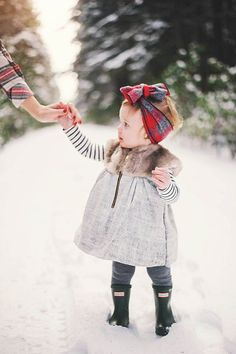 Snowy forest family photos by Connection Photography   100 Layer Cakelet   Bloglovin'