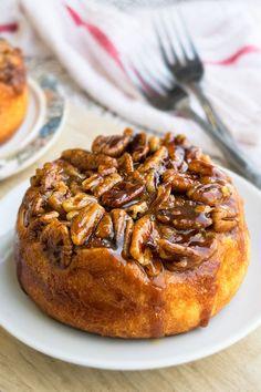Caramel Pecan Sticky Buns - CakeWhiz Pecan Recipes, Bakery Recipes, Dessert Recipes, Desserts, Pecan Cinnamon Rolls, Pecan Rolls, Pecan Sticky Buns, Caramel Pecan, Caramel Deserts