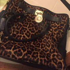 Michael Kors large Hamilton bag Originally paid 548. Calf hair. In great condition. Make an offer. This is an excellent deal. Michael Kors Bags Satchels