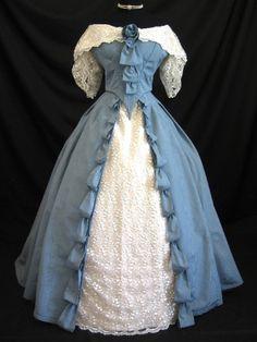 American Civil War Clothes - American (Civil War Era) Looks like a Cinderella dress! Victorian Gown, Victorian Costume, Victorian Fashion, Vintage Fashion, Steampunk Fashion, Fashion Fashion, Old Fashion Dresses, Old Dresses, Blue Ball Gowns