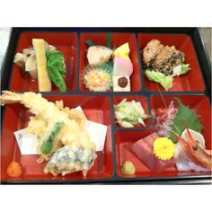 Typical Japanese lunch box call Bento. 弁当