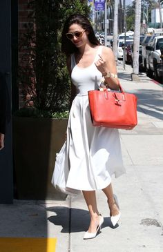 Emmy Rossum grabs a meal in Beverly Hill grabs a meal in Beverly Hill