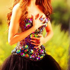 I could never wear this...but it's so freaking sparkly and wonderful...I just want to look at it.....