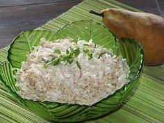 Błyskawiczna, bardzo dobra i bardzo zdrowa suróweczka na obiad. Smakuje całej rodzince, dużym i tym małym ;) To fajny pomysł połączenia bardzo zdrowego selera z soczystą i słodką gruszką. Przepis na surówka z selera i gruszki. Appetizer Salads, Appetizers, Chicken Egg Salad, Polish Recipes, Grains, Food And Drink, Rice, Yummy Food, Cooking