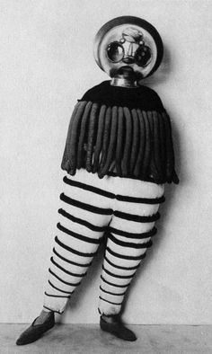 Triadic-Ballet-from-The-Theater-of-the-Bauhaus