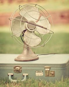 Need two of these vintage fans for the new house diningroom.