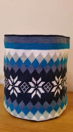 Crotchet Bags, Knitted Bags, Tapestry Bag, Tapestry Crochet, Pixel Crochet, Knit Crochet, My Bags, Purses And Bags, Navajo Rugs