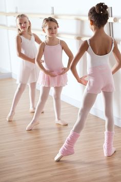 the young BALLERINA | little girls and BALLET | pink tutus | pinned by http://www.cupkes.com/
