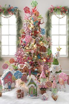 Best Christmas tree decor ideas & inspirations for 2019 - Hike n Dip Make your Christmas decorations special with the best Christmas tree decor ideas. These inspiring Christmas trees are the perfect decor for the holidays. Best Christmas Tree Decorations, Gingerbread Christmas Decor, Candy Land Christmas, Creative Christmas Trees, Blue Christmas, Christmas Home, Christmas Holidays, Christmas Wreaths, Whimsical Christmas