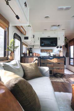 Van Living, Tiny House Living, Camping Car, Camping Stuff, Campsite, Rv Homes, Rv Interior, Camper Makeover, Camper Renovation