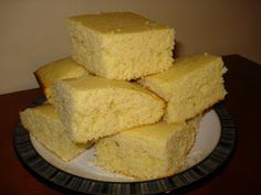 Easy Cornbread- native lesson/proceedural Comidas Pinterest, Sounds Good, Vegetable Side Dishes, Pinterest Recipes, Side Dish Recipes, Cornbread, Goodies, Food And Drink, Appetizers