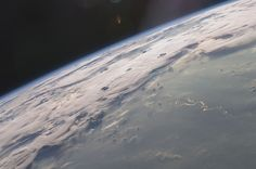 NASA used various shots of astronauts and other photos taken from space to recreate key moments in the film.
