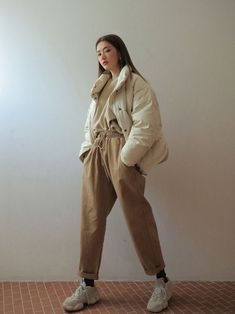 I Love these korea fashion clothing can find Korea fashion and more on our website.I Love these korea fashion clothing 9340232338 Korean Fashion Trends, Korean Street Fashion, Korea Fashion, Japan Fashion, Korean Fashion Winter, Set Fashion, Winter Fashion Outfits, Look Fashion, Fashion Ideas