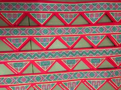 Hmong sashes Hmong Wedding, Hmong Clothing, Hmong People, Sewing Crafts, Diy Crafts, Ethnic Patterns, My Heritage, Clothing Patterns, Belts