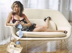 Sarah Jessica Parker working her needles...who ever said knitting wasn't sexy!