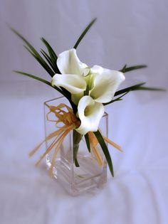 lily wedding | White Calla Lilies - Centerpiece