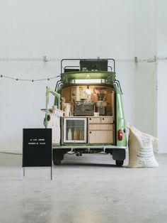 4L librairie-café |MilK decoration
