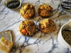These healthy muffins are perfect as a savory snack or lunch. You can vary with the ingredients and also make them lactose free. You can find the recipe on organichappiness.nl or by clicking the 'visit' button. Gluten Free Breakfasts, Gluten Free Recipes, Savory Snacks, Healthy Snacks, Pizza Muffins, Healthy Muffins, Lactose Free, I Foods, Pesto