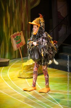 shrek the musical ugly duckling Broadway Costumes, Theatre Costumes, Cool Costumes, Costume Ideas, Shrek Costume, Bird Costume, Honk The Musical, Carnival Floats, Book Character Day