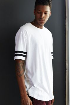 The Narrows Athletic Curved-Hem Long Tee - Urban Outfitters