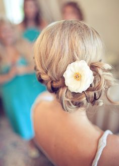 BRAID!  Omg this was the exact hairstyle i want. Something cute n low key so if it gets blown in the sea breeze it shouldnt be a problem.