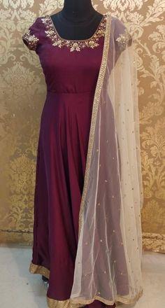 Indian Long Dress, Indian Gowns Dresses, Dress Indian Style, Designer Anarkali Dresses, Designer Bridal Lehenga, Designer Dresses, Designer Wear, Stylish Dresses For Girls, Stylish Dress Designs