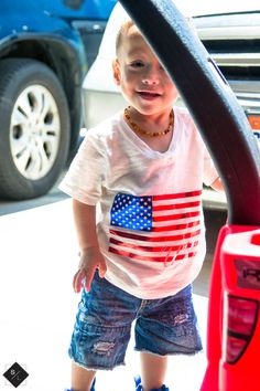 DIY patriotic shirt, perfect for Independence Day! Use your Cricut Explore to create this awesome patriotic shirt and get the cut file.