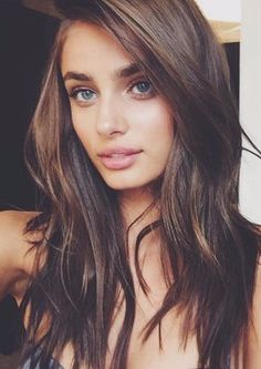 Supermodel Taylor Hill Cut Off All Her Beautiful Bombshell Hair Pretty Hairstyles, Girl Hairstyles, Bombshell Hair, Gorgeous Hair, Gorgeous Makeup, Hair Looks, Her Hair, Hair Makeup, Makeup Geek