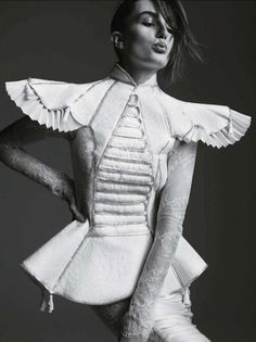 - Alles Gute Andreea Diaconu by Stefan Heinrichs for Vogue Germany July 2012 fashion showinspiration - Alles Gute Andreea Diaconu by Stefan Heinrichs for Vogue Germany July 2012 fashion show House Of Worth Spring/Summer 2012 Couture Foto Fashion, 3d Fashion, Estilo Fashion, Punk Fashion, Unique Fashion, Fashion Details, Editorial Fashion, Fashion Design, Fashion Fabric