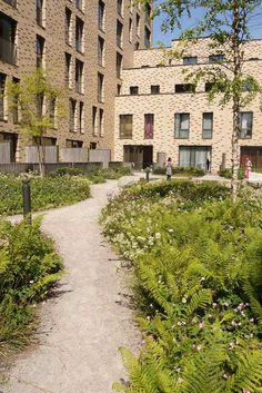 4-Semi-private-courtyard-3-copyright-Townshend-Landscape-Architects « Landscape Architecture Works | Landezine