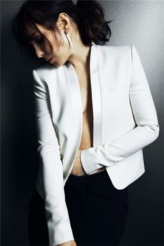 Noomi Rapace---love that jacket!