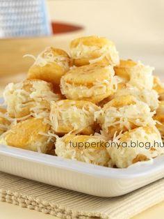 Hozzávalók: (4 főre) A tésztához:   - 40 dkg  liszt - 25 dkg  margarin - 1 tojássárgája - 2 evőkanál kefir - 10 dkg  reszelt  sajt - 1 csapott  teáskanál  só - 1 csapott  teáskanál  őrölt  csemege paprika - 1 dkg  élesztő - kb.... Hungarian Recipes, Macaroni And Cheese, Snack Recipes, Food And Drink, Chips, Baking, Ethnic Recipes, Cook, Snack Mix Recipes