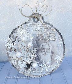 Dorota_mk: Wróciłam :): her handmade mixed media art tag! Christmas Mix, Christmas Paper Crafts, Christmas Gift Tags, Diy Christmas Ornaments, Xmas Cards, Christmas Projects, Handmade Christmas, Vintage Christmas, Christmas Decorations