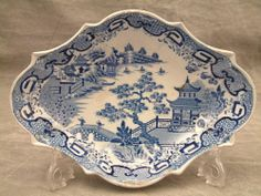"""ORIGINAL SPODE C1815 BLUE & WHITE PEARLWARE OVAL BOWL, """"FLYING PENNANT"""" PATTERN #Bowls"""
