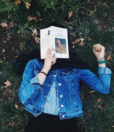 รูปภาพ book and muslimgirl