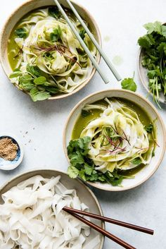 Easy Green Curry Noodles - ready in under 20 minutes and made with less than 10 ingredients!