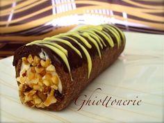 Cannolo di frolla al cioccolato con crema al mascarpone e ricotta