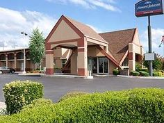 Oklahoma City (OK) Howard Johnson Express Oklahoma City United States, North America Howard Johnson Express Oklahoma City is perfectly located for both business and leisure guests in Oklahoma City (OK). Offering a variety of facilities and services, the hotel provides all you need for a good night's sleep. Service-minded staff will welcome and guide you at the Howard Johnson Express Oklahoma City. Some of the well-appointed guestrooms feature air conditioning, heating, wake-up...